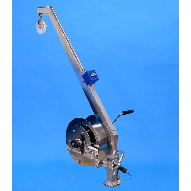 Winch for small boats